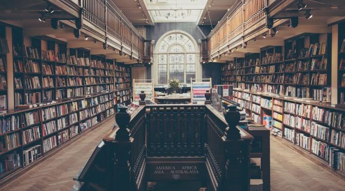 Eine Bibliothek | A library