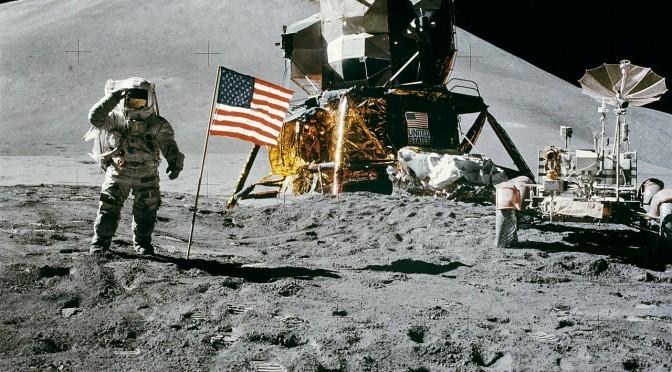 Menschen landen auf dem Mond